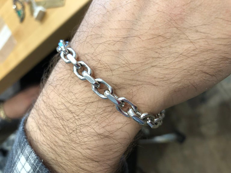 A Tiffany & Co. original, this 18K white gold link bracelet will stand up to the test of time and keep your wrist company for years to come. A great gift that can be worn everyday.   Length: 9 ¼ inches