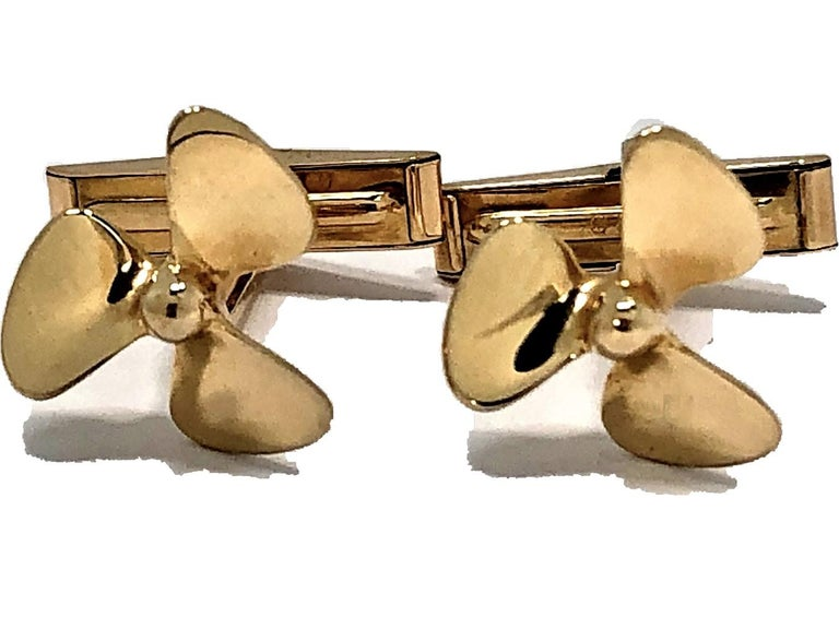 Tiffany & Co. Gold Propeller Cuff Links In Good Condition For Sale In Palm Beach, FL
