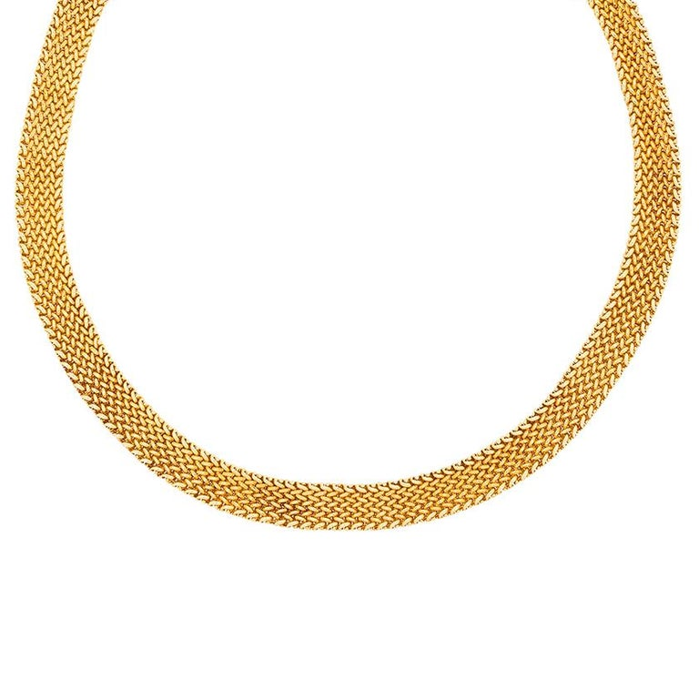 This beautiful set from Tiffany & Co is all made in 18 carat yellow gold and is from the Somerset collection. It is linked gold which flows and sits beautifully upon the wearer. The necklace weighs 65.5 grams and measures 41cm in length. It has the