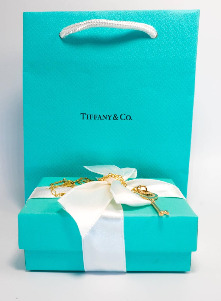 Women's or Men's Tiffany & Co. Heart Key Pendant with Diamonds and Chain in 18 Karat Yellow Gold For Sale