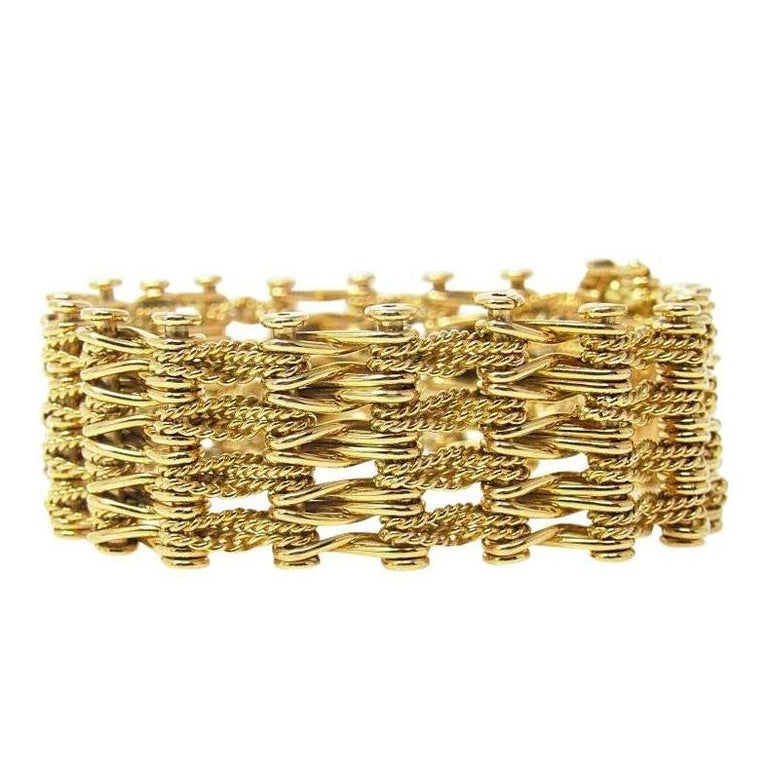 273ac5976 Tiffany and Co. Italy 18 Karat Yellow Gold Link Bracelet at 1stdibs