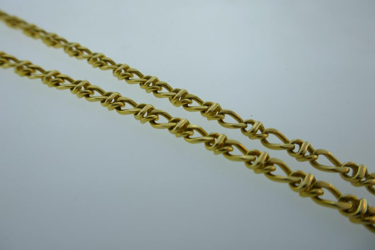 Tiffany & Co. Italy 18 Karat Yellow Gold Chain Link Necklace circa 1980s Vintage For Sale 1