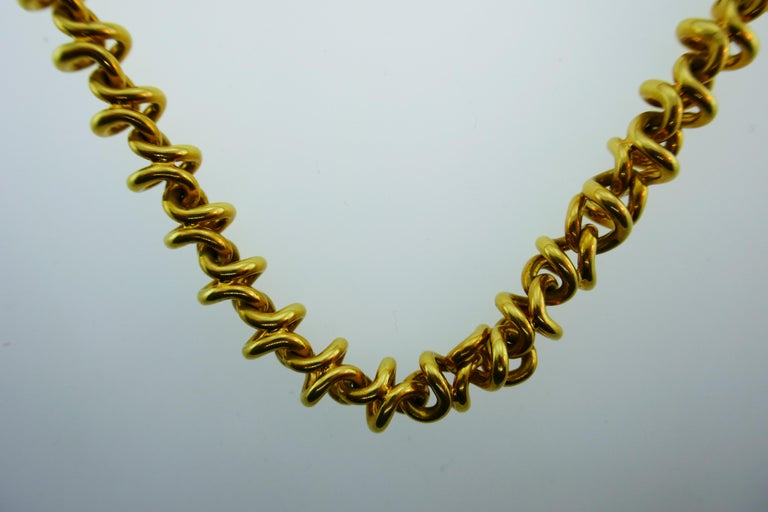 Women's or Men's Tiffany & Co. Italy 18 Karat Yellow Gold Link Necklace Vintage For Sale