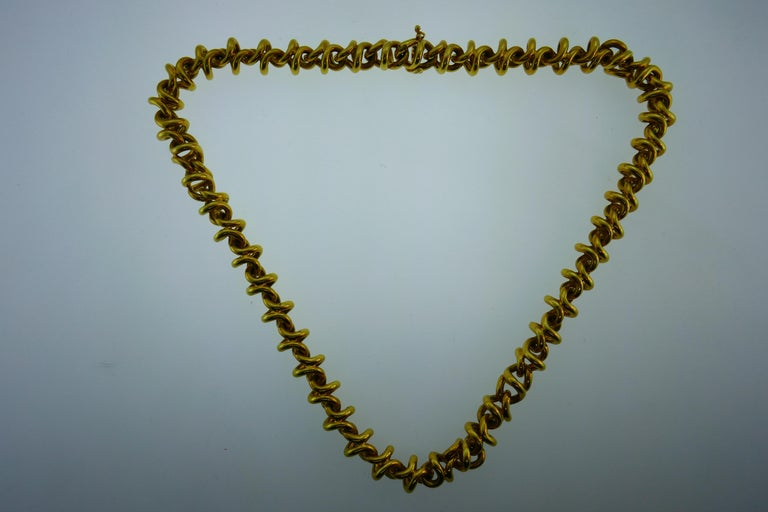 Tiffany & Co. Italy 18 Karat Yellow Gold Link Necklace Vintage For Sale 1