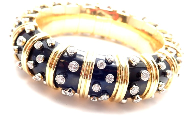 18k Yellow Gold Diamond TIFFANY & Co JEAN SCHLUMBERGER PAILLONE Black Enamel Wide Bangle Bracelet. With 108 round brilliant cut diamonds VS1 clarity, G color at a total diamond weight of 8ct. This bracelet comes with Tiffany & Co.