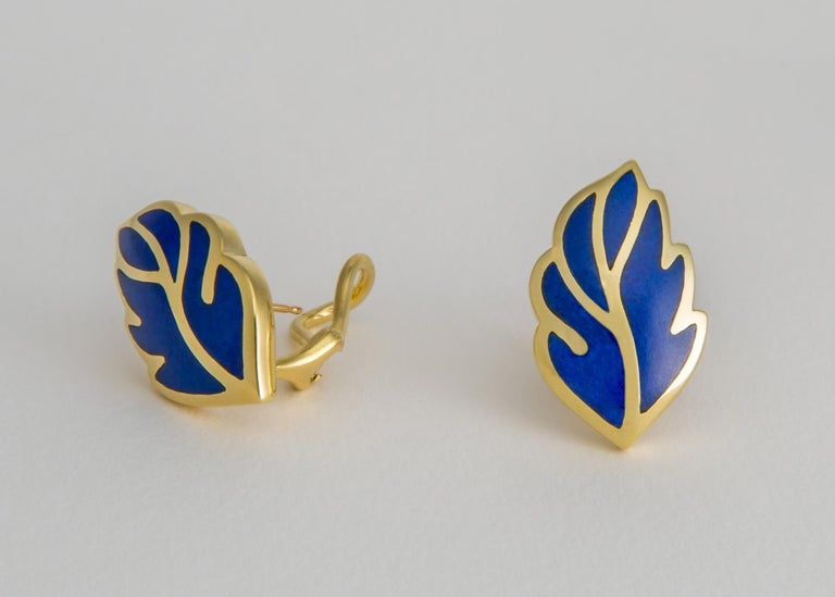 Tiffany & Co. Lapis Leaf Motif Earrings In Excellent Condition For Sale In Atlanta, GA