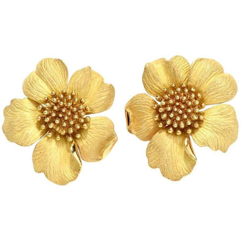 Tiffany & Co. Large Dogwood Flower 18 Karat Clip-On Earrings