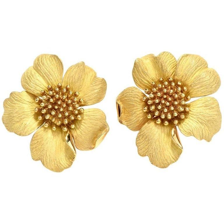 Tiffany & Co. Large Dogwood Flower 18 Karat Clip-On Earrings For Sale