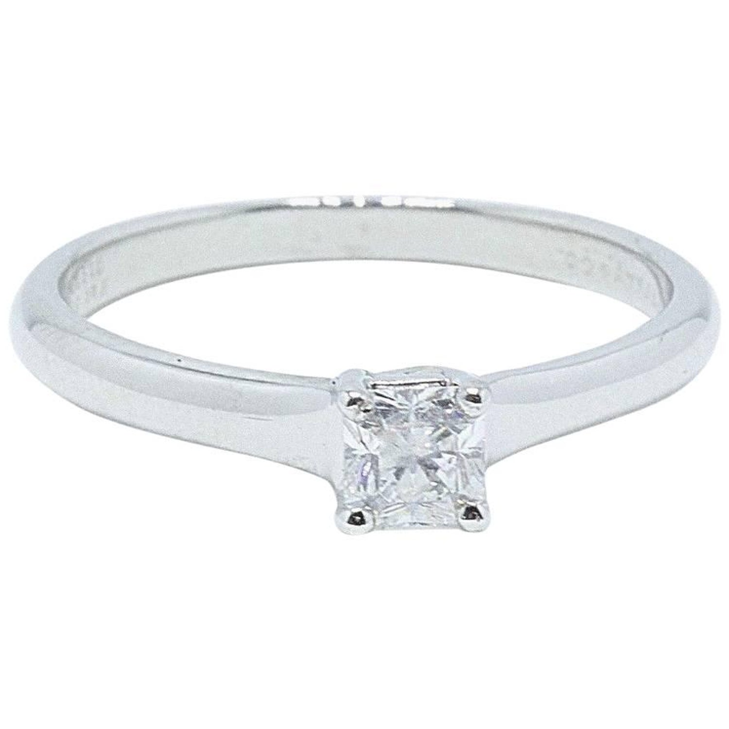 91171d14850 Tiffany and Co. Lucida 0.31 CT F VVS1 Diamond Engagement Ring in Platinum  Papers For Sale at 1stdibs