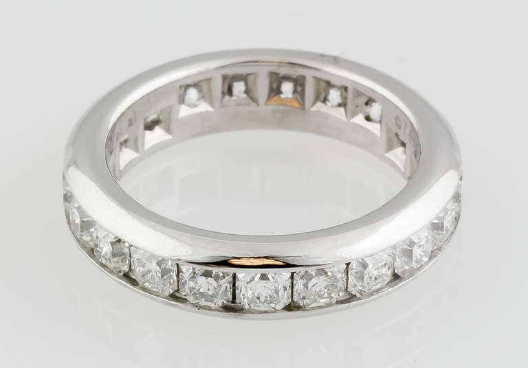Tiffany & Co. Lucida Diamond Platinum Band In Good Condition For Sale In New York, NY