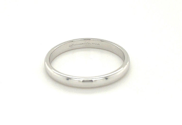 Tiffany & Co. Mens Platinum Wedding Band In Excellent Condition For Sale In New York, NY
