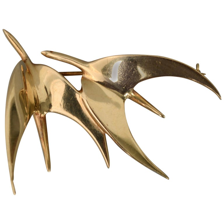 Tiffany & Co. Modernist Gold Birds in Flight Brooch For Sale