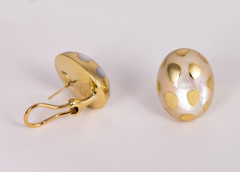 Tiffany & Co. Mother of Pearl and Gold Polka Dot Earrings In Excellent Condition For Sale In Atlanta, GA