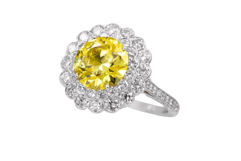 Tiffany & Co. Natural Fancy Vivid Yellow Diamond Ring In Excellent Condition For Sale In New York, NY