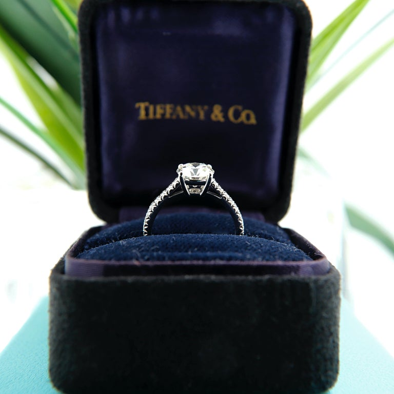 Tiffany & Co. Novo Round Diamond Engagement Ring 1.21 Carat in Platinum For Sale 1