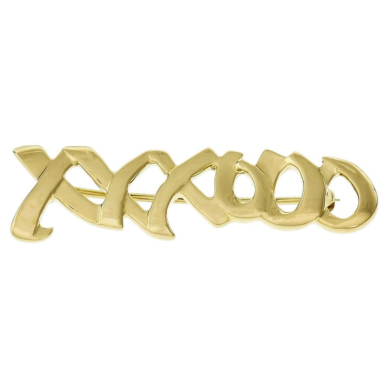 """Tiffany & Co Paloma Picasso Yellow Gold Signature """"XO"""" Brooch For Sale"""