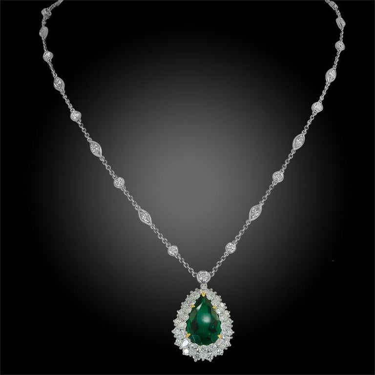 Women's Tiffany & Co. Pear-Shaped Colombian Emerald, Diamond Pendant or Necklace For Sale