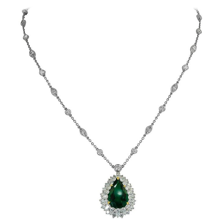 Tiffany & Co. Pear-Shaped Colombian Emerald, Diamond Pendant or Necklace For Sale
