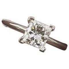 Tiffany & Co. Platin-Verlobungsring mit Diamanten im Prinzessschliff 0,71 Karat E VS1