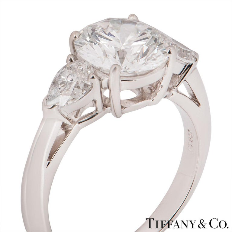 Tiffany & Co. Platinum Diamond Three-Stone Ring 2.36 Carat GIA Certified In Excellent Condition In London, GB