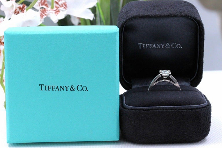 Tiffany & Co. Princess Diamond Engagement Ring 1.29 Carat Platinum For Sale 1