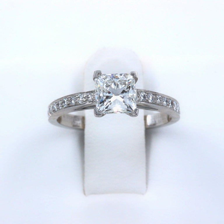 Tiffany & Co. Princess Diamond Engagement Ring 1.29 Carat Platinum For Sale 4