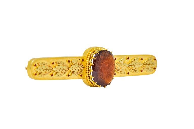 Women's or Men's Tiffany & Co. Renaissance Revival Garnet 18 Karat Two-Tone Gold Cameo Bar Brooch For Sale