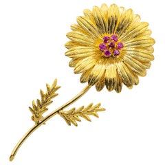 Tiffany & Co. Retro Ruby Sunflower 18 Karat Gold Brooch, circa 1970s