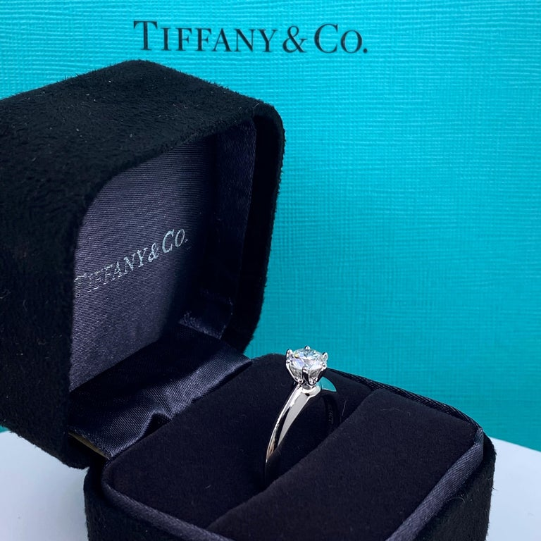 Tiffany & Co. Round Brilliant Diamond 0.74 Carat I VS1 Engagement Ring Platinum In Excellent Condition For Sale In San Diego, CA
