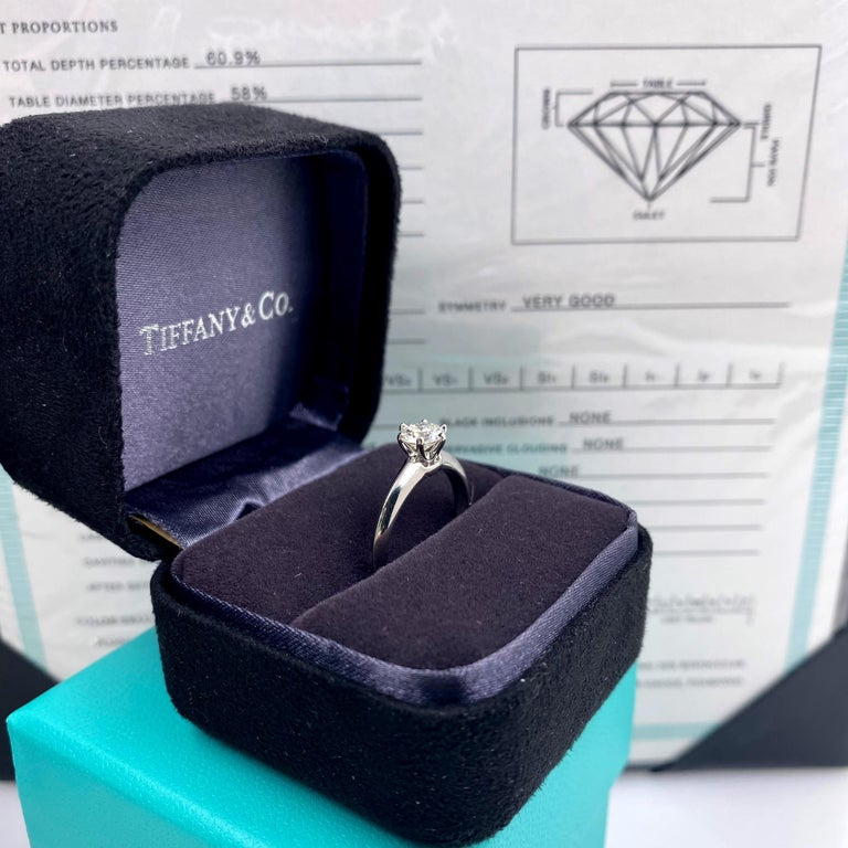 Tiffany & Co. Round Diamond 0.60 Carat I VVS1 Solitaire Platinum Engagement Ring For Sale 4
