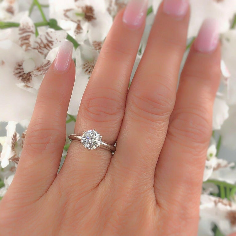 Round Cut Tiffany & Co. Round Diamond Engagement Ring 1.23 Carat GVS2 Platinum For Sale