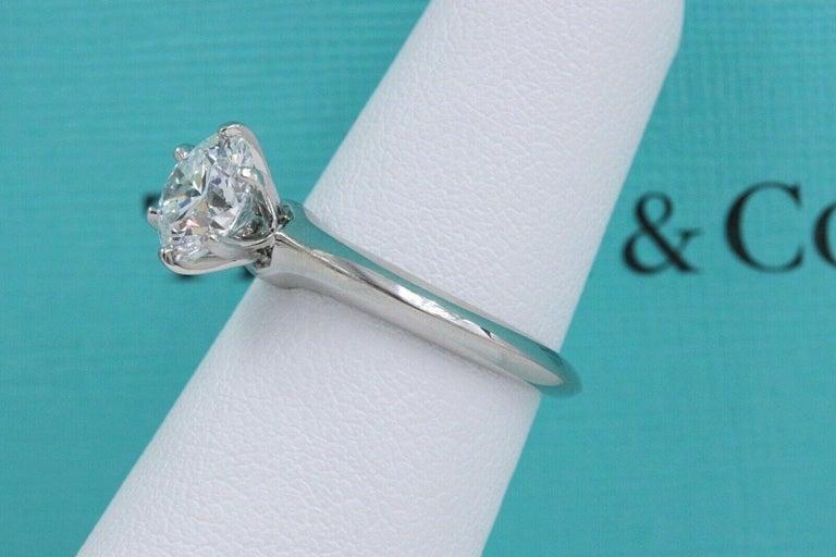 Tiffany & Co. Round Diamond Engagement Ring 1.23 Carat GVS2 Platinum For Sale 3