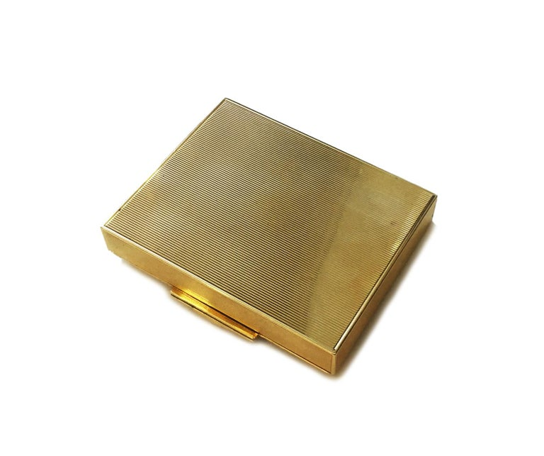 Tiffany & Co. Rubies and 14 Karat Gold Rare 1940s Powder Compact For Sale 1