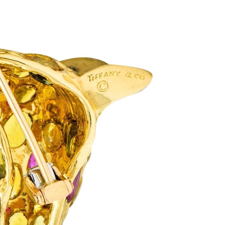 Tiffany & Co. Ruby Sapphire Diamond 18 Karat Gold Giraffe Brooch In Excellent Condition For Sale In Philadelphia, PA