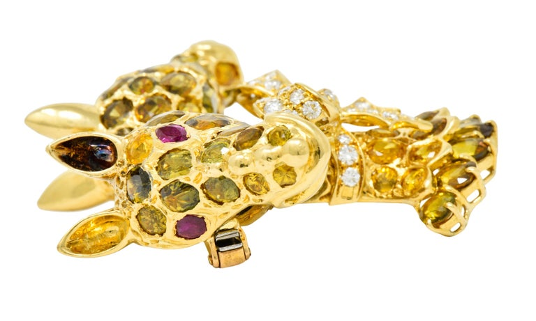 Tiffany & Co. Ruby Sapphire Diamond 18 Karat Gold Giraffe Brooch For Sale 1