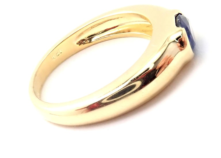 Oval Cut Tiffany & Co Sapphire Yellow Gold Band Ring For Sale