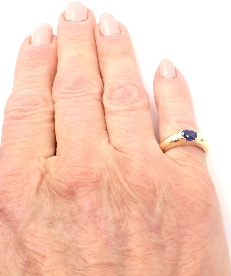 Women's or Men's Tiffany & Co Sapphire Yellow Gold Band Ring For Sale