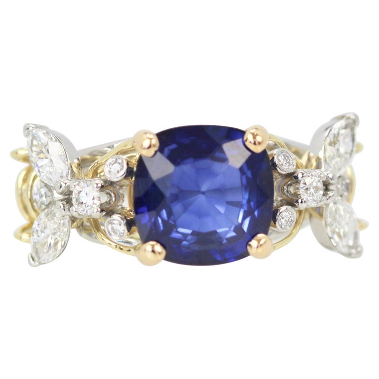 Tiffany & Co. Schlumberger Double Bee Ring with Blue Sapphire Diamonds For Sale