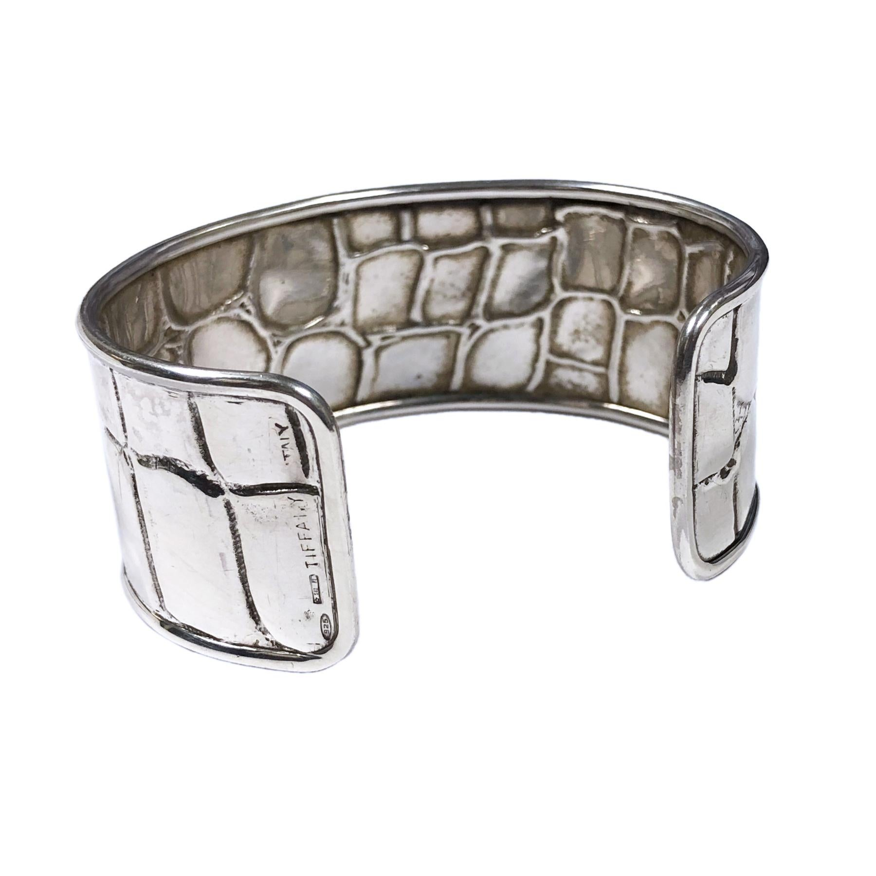 951f671b2 Tiffany and Co. Silver Alligator Textured Cuff Bracelet For Sale at 1stdibs