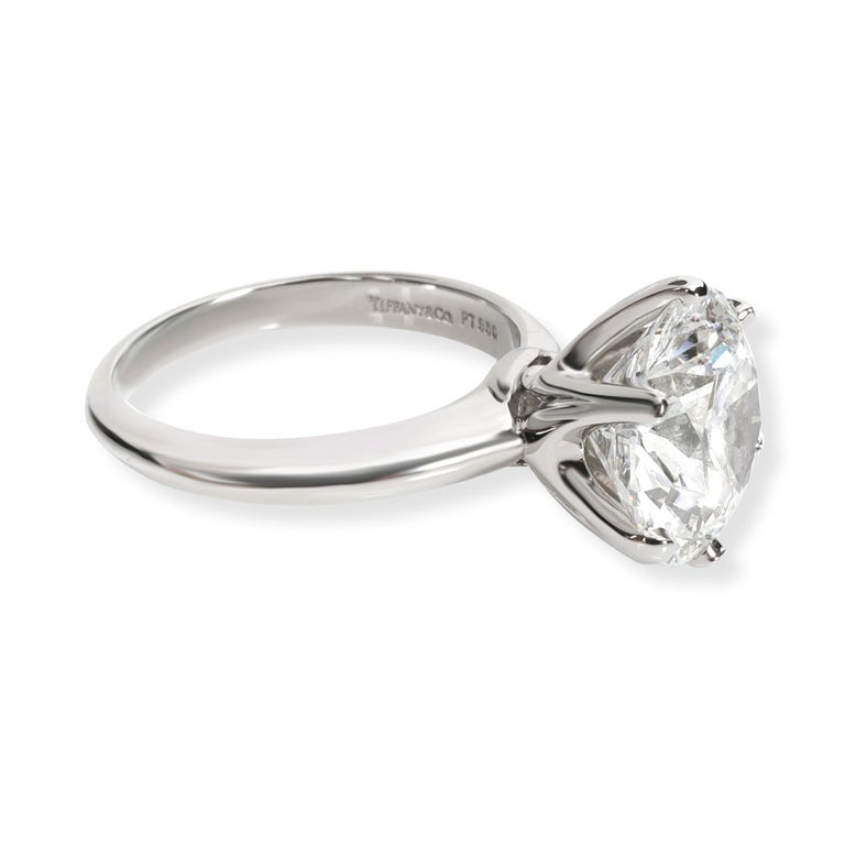 Tiffany & Co. Solitaire Diamond Engagement Ring in Platinum D VS1 5.02 Carat In Excellent Condition For Sale In New York, NY