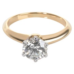 Tiffany & Co. Solitaire Diamond Ring in 18 Karat Gold G VVS2 0.85 Carat