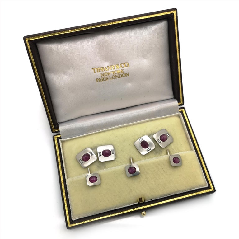 Women's or Men's Tiffany & Co. Star Ruby Diamond and Platinum Dress-Set, circa 1950 For Sale