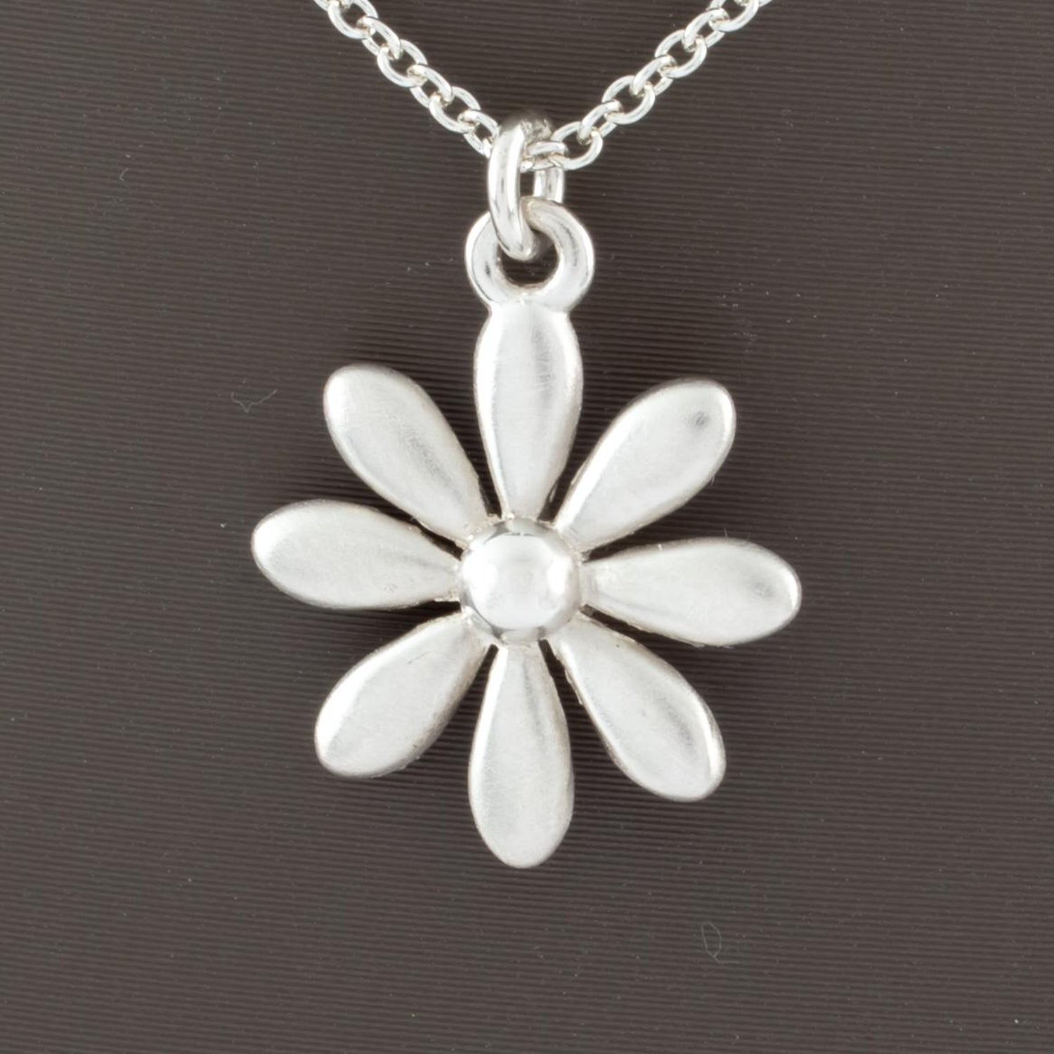 33982a2dd Tiffany and Co. Sterling Silver Daisy Pendant Necklace with Chain For Sale  at 1stdibs