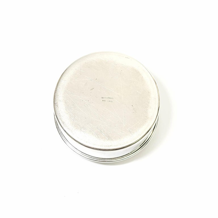 Tiffany & Co. Sterling Silver Small Round Jewelry Trinket Box In Good Condition For Sale In New Milford, CT