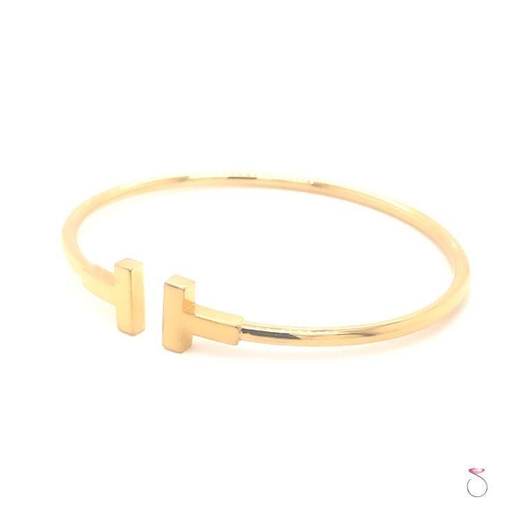 Modern Tiffany & Co. T Wire Bracelet in 18K Yellow Gold, Size Medium For Sale