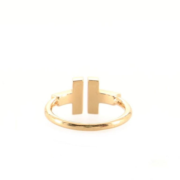 Tiffany & Co. T Wire Ring 18k Rose Gold with Onyx In Good Condition In New York, NY