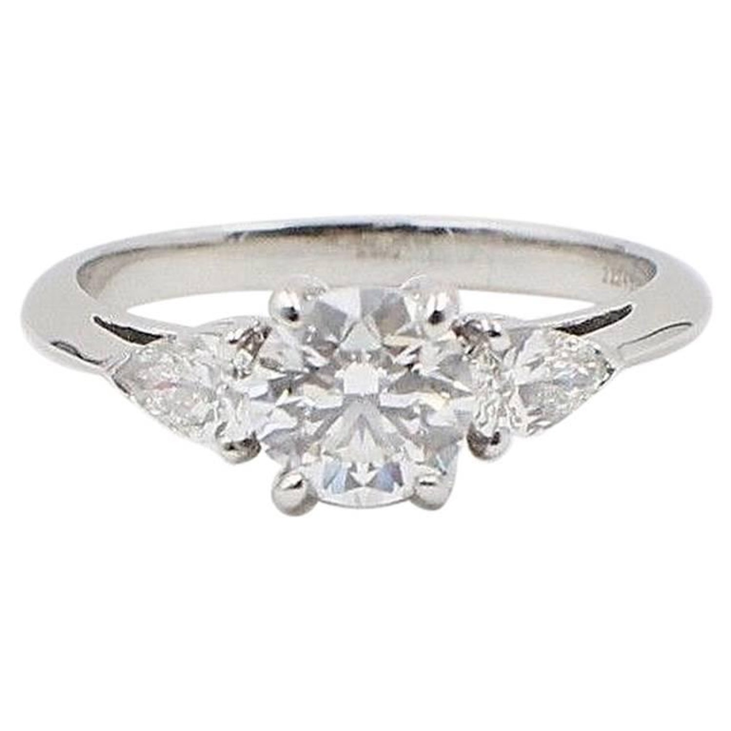 c2a275740 Tiffany and Co. Three-Stone Diamond Engagement Ring 1.60 Carat E VVS1  Platinum For Sale at 1stdibs