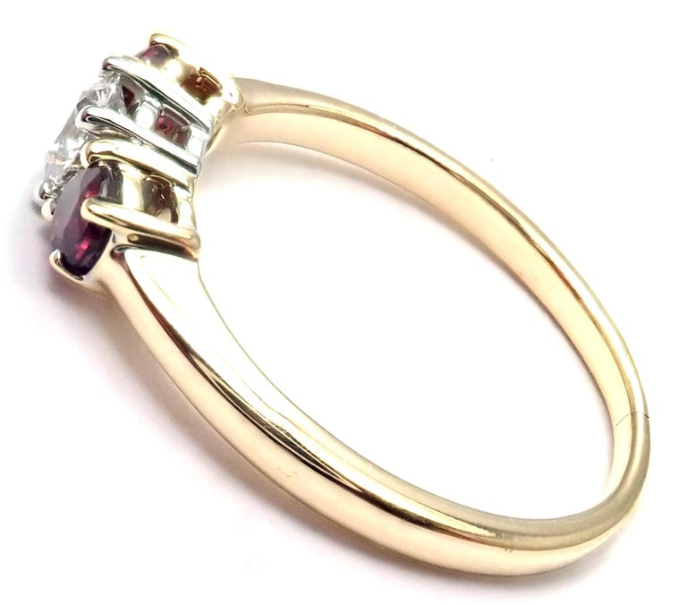 Women's or Men's Tiffany & Co. Three-Stone Diamond Ruby Yellow Gold Platinum Band Ring For Sale
