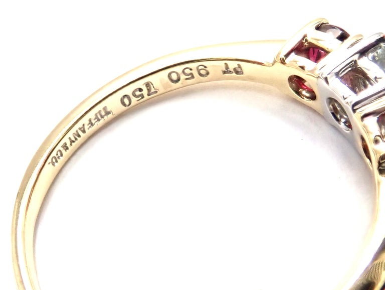 Tiffany & Co. Three-Stone Diamond Ruby Yellow Gold Platinum Band Ring For Sale 1