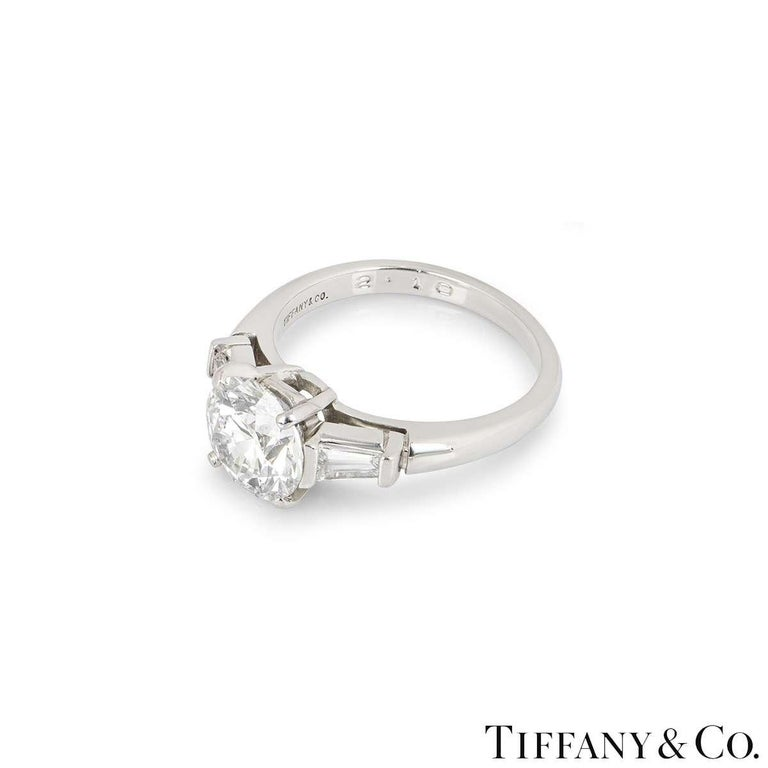 Round Cut Tiffany & Co. Three-Stone Engagement Ring 2.10 Carat E/VS1 For Sale